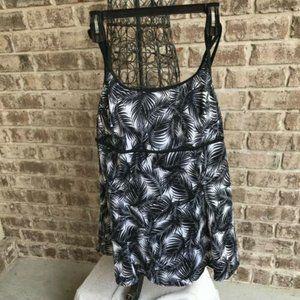 Longitude Swimdress Swimsuit Size 12 Black White